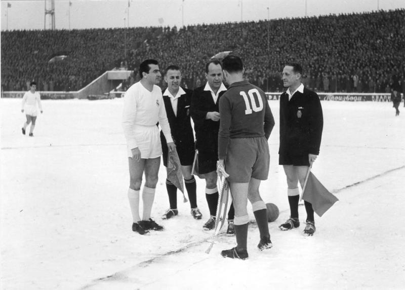 Партизан (Югославия) - Реал Мадрид (Испания) 3:0. Нажмите, чтобы посмотреть истинный размер рисунка