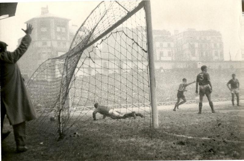 Атлетик Бильбао (Испания) - Манчестер Юнайтед (Англия) 5:3. Нажмите, чтобы посмотреть истинный размер рисунка