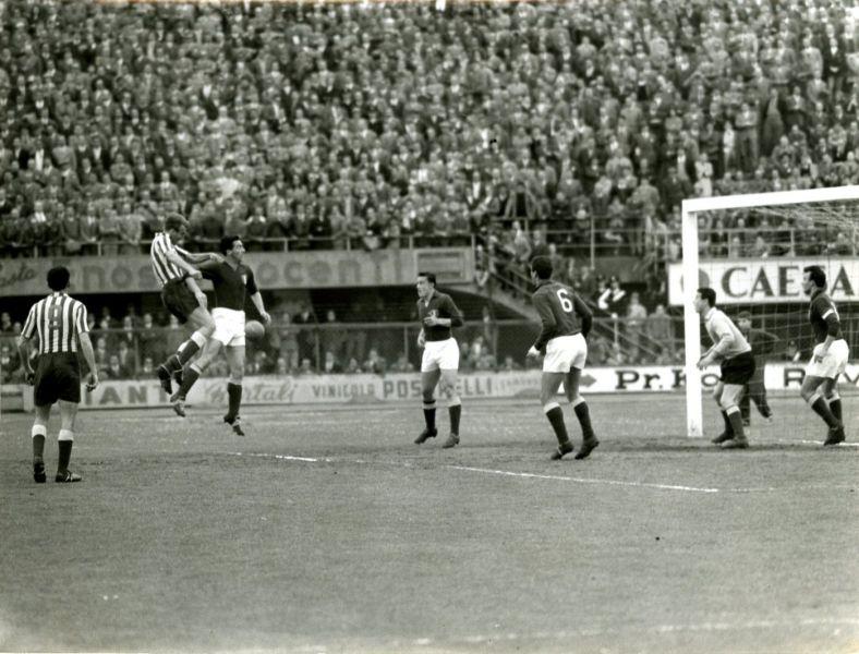 Фиорентина (Италия) - Црвена Звезда (Югославия) 0:0