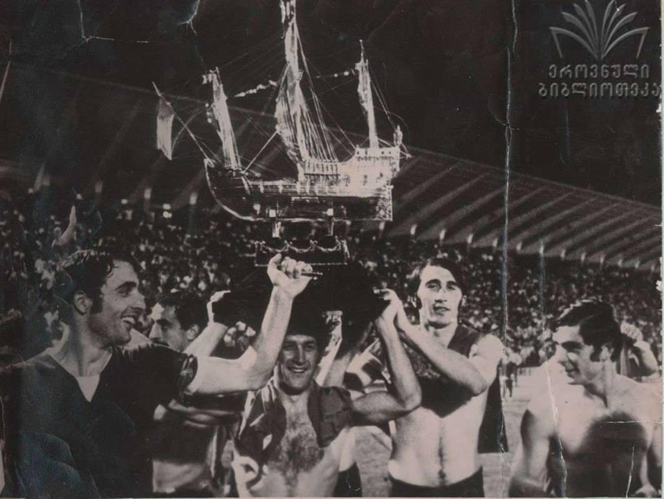 Динамо (Тбилиси) - Бенфика (Лиссабон, Португалия) 3:1. Нажмите, чтобы посмотреть истинный размер рисунка